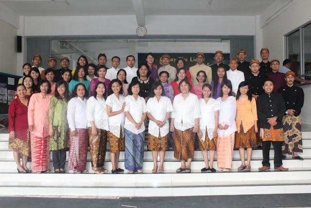 Guru dan Staff SD Kristen Kalam Kudus Surakarta