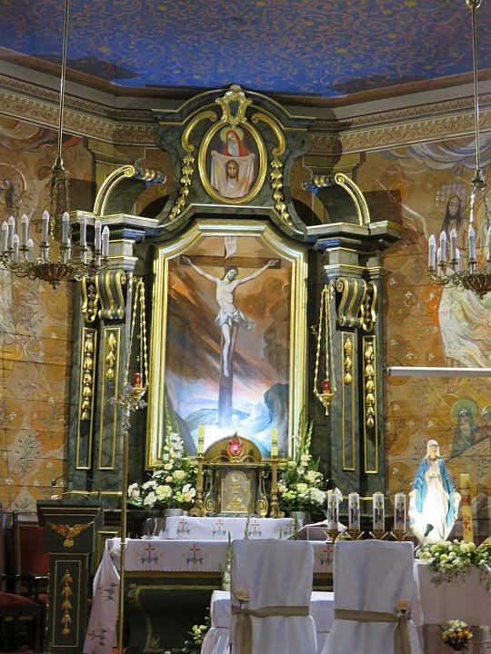 Ołtarz główny.