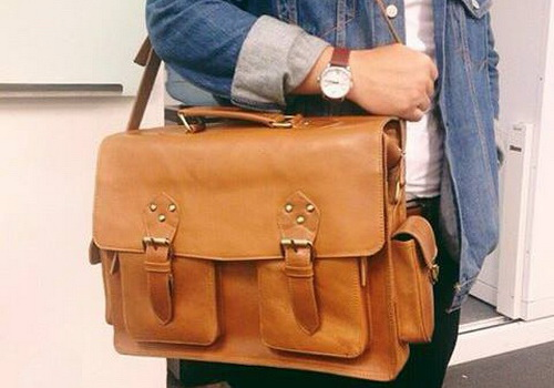 Why you should have leather sling bag of high quality and natural material 1