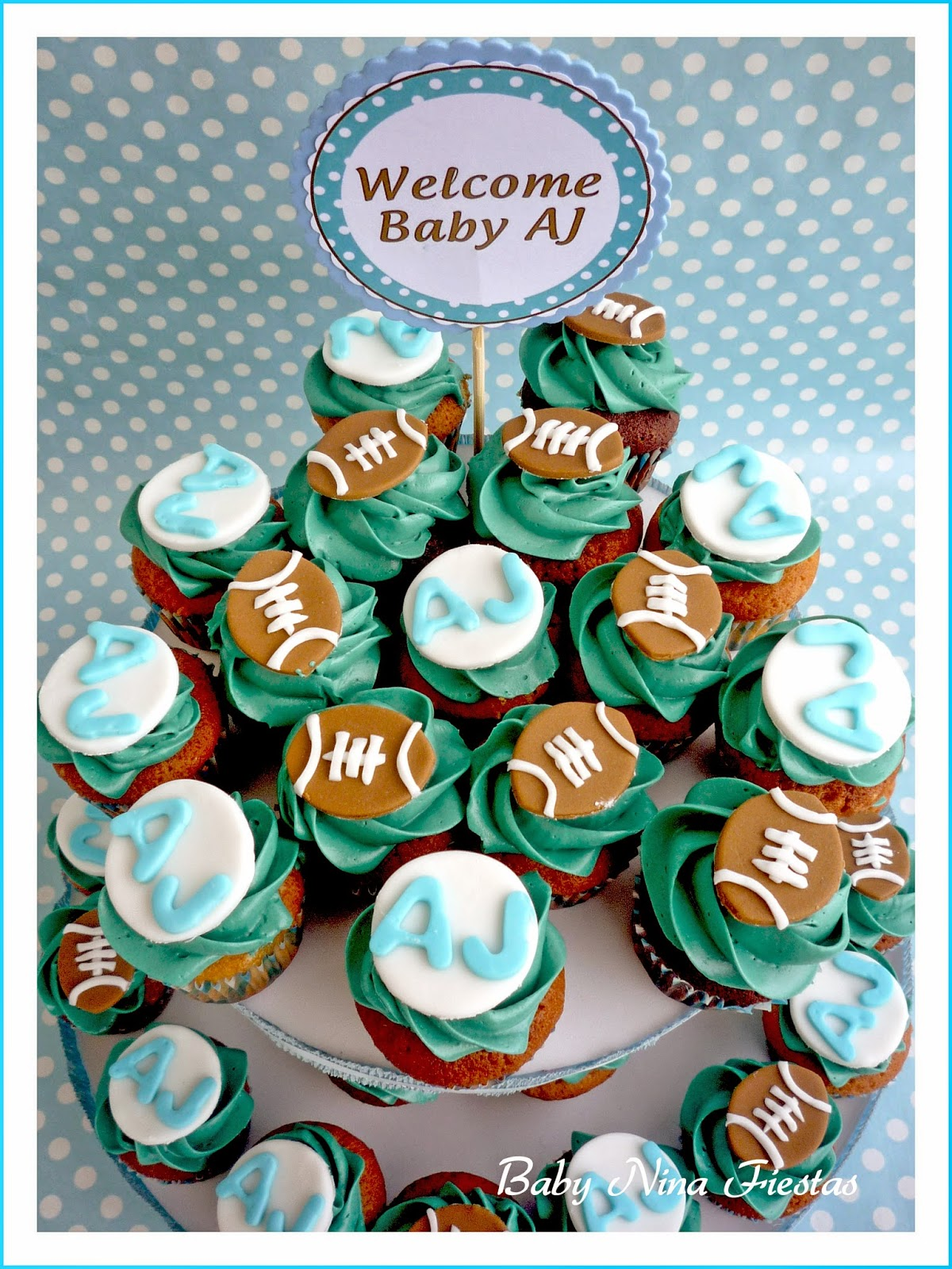 Minicupcakes baby shower football theme