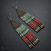 Оригинальные этнические серьги купить в интернет-магазине авторских украшений из бисера.