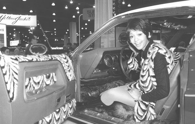 Photos of Chicago Car Shows from the 1960s1970s  vintage