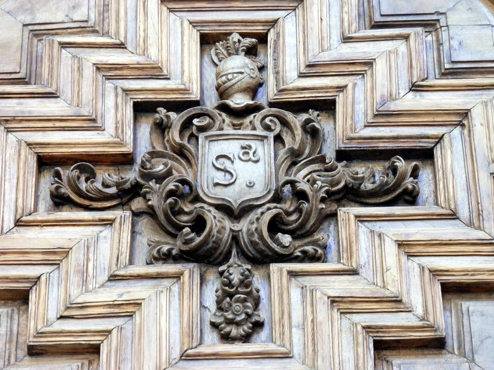 El Sayon Pintada La Puerta Mas Antigua De La Catedral