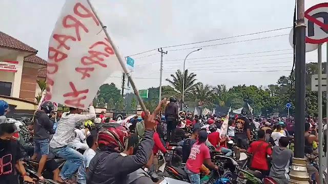 Polisi Biarkan Peserta Demo Kecam Prabowo di Boyolali tak Gunakan Helm