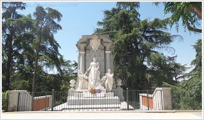 Madrid; Viagem Europa; Turismo na Espanha; Parque del Oeste; Estátua de Isabel de Borbón