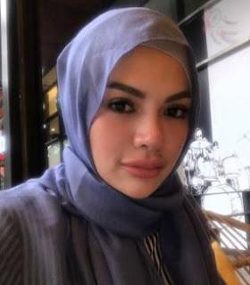 Hijab Nikita Mirzani