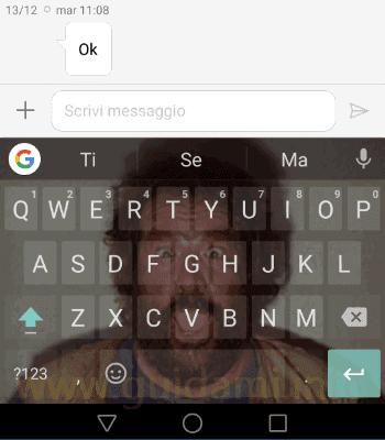 Tastiera Google con foto personale come sfondo