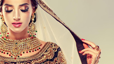 re-use-bridalwear-and-opt-for-matte-lipstick-on-rakhi