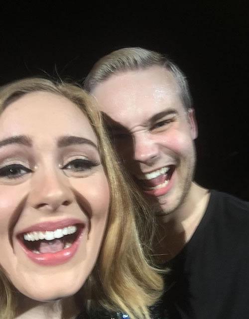 Adele se oferece para ser barriga de aluguel para casal gay