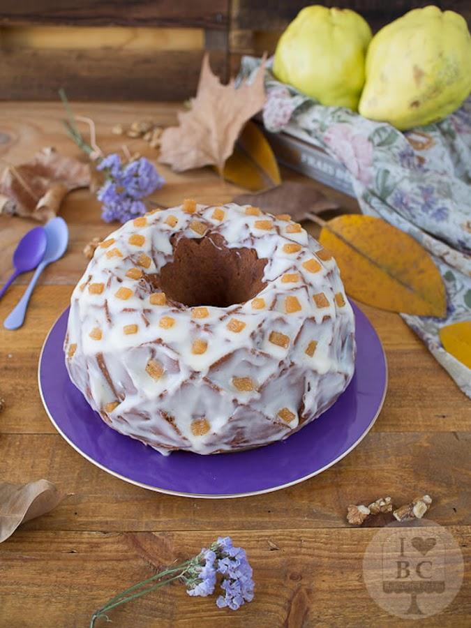 Bundt cake de membrillo y nueces