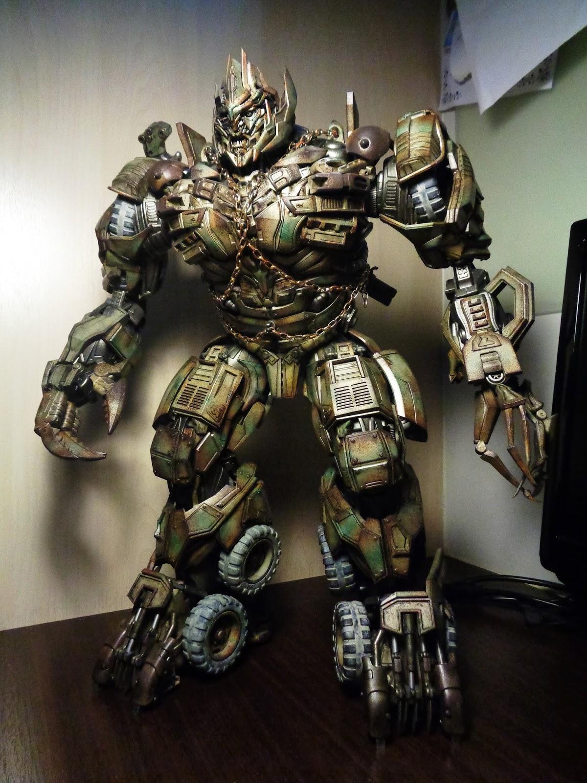 半支煙 pt 二: ThreeA - Transformers Dark of The Moon : Megatron.