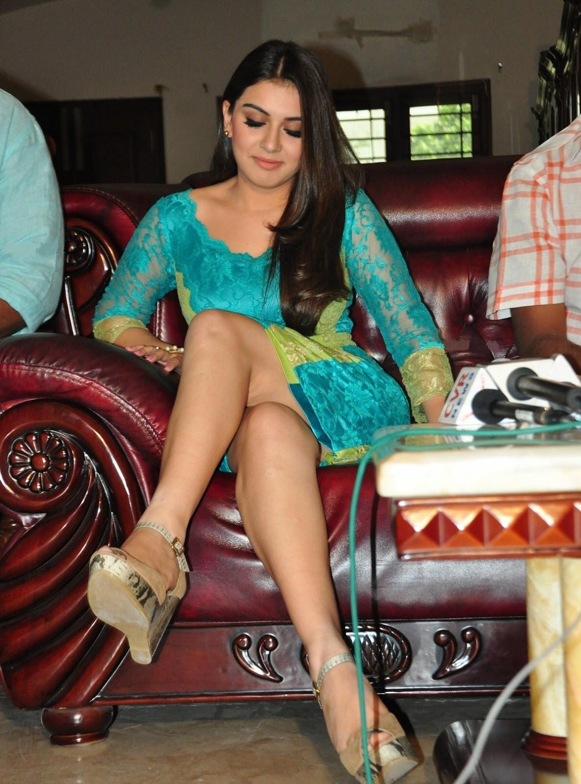 Glamours Tamil Actress Hansika Motwani Milky White Thigh Show In Short Green Dress