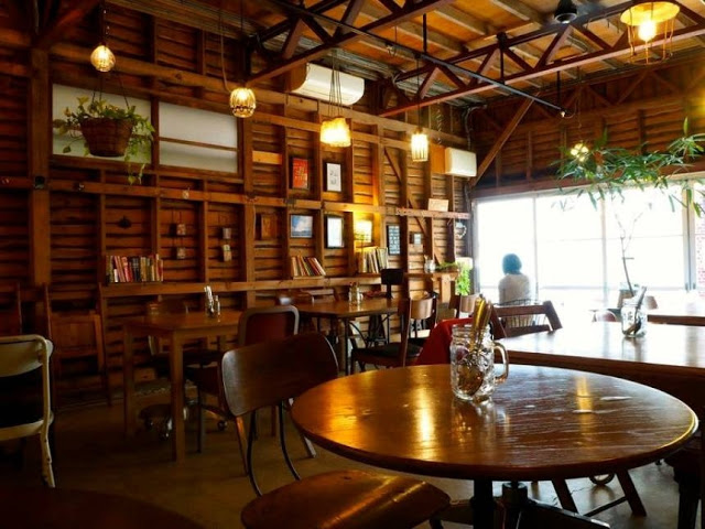 4 Amazing Cafes in Japan, Must be There!