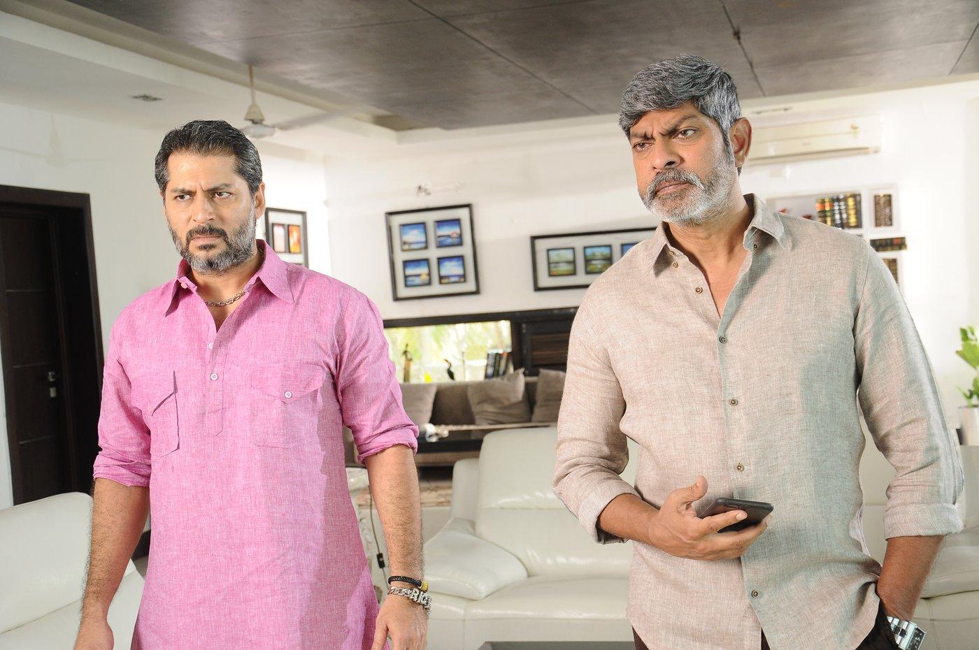 vishal okkadochadu movie stills-HQ-Photo-12
