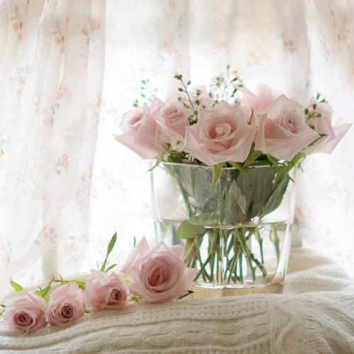 The Use Of Flowers In Shabby Chic Look From Abraxas Fl Creations