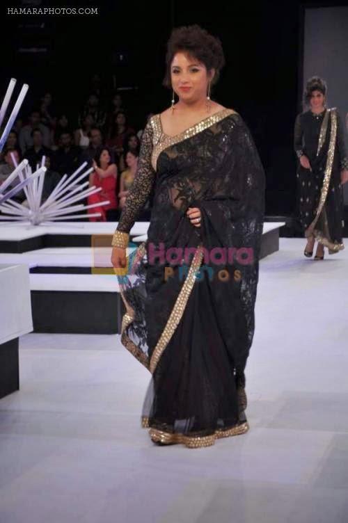 actress largest navelcleavagehipwaist photo collections  revathi saree navel