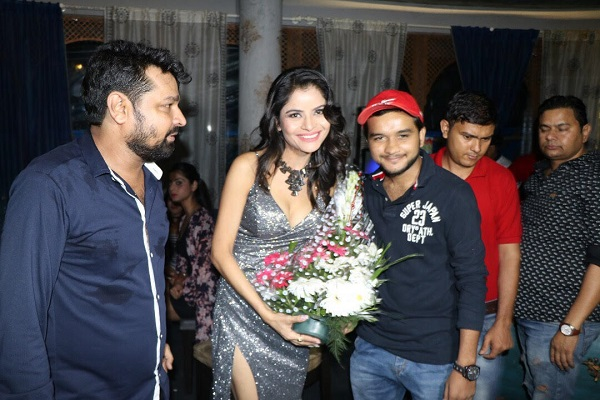 Bollywood producers, actors, politicians throng actress Gehana Vasisth's Birthday Party