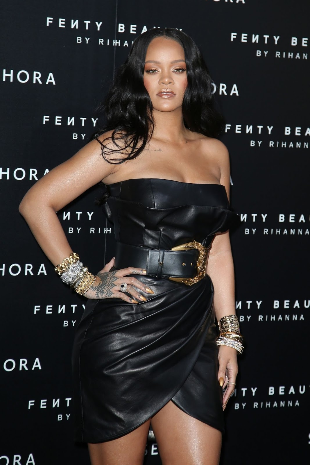 """Rihanna – """"Fenty"""" by Rihanna Makeup Launch"""