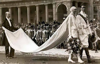 Prince Amedeo and Princess Anne of Orléans in the Piazza del Plebiscito in Naples on their wedding day