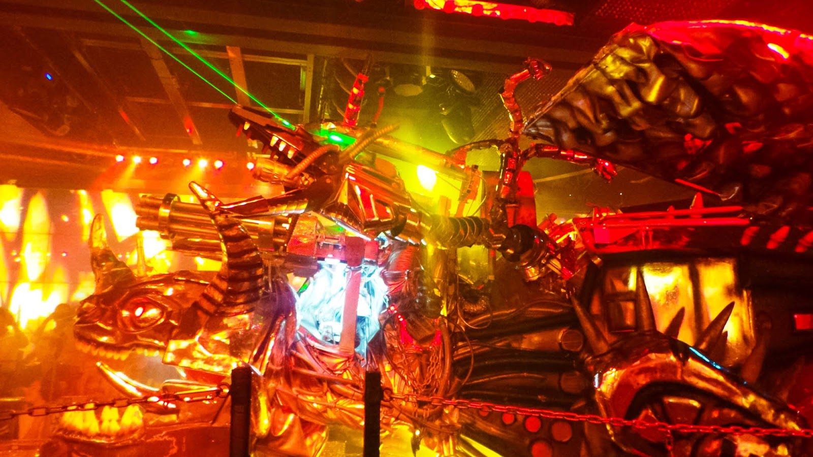 the robot restaurant