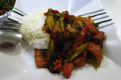 Tian Fu Ren Jia (天府人家), pickled vegetables pig intestines rice (酸菜肥肠饭)