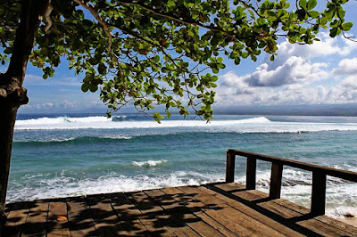 Pantai Tanjung Setia Pesisir Barat