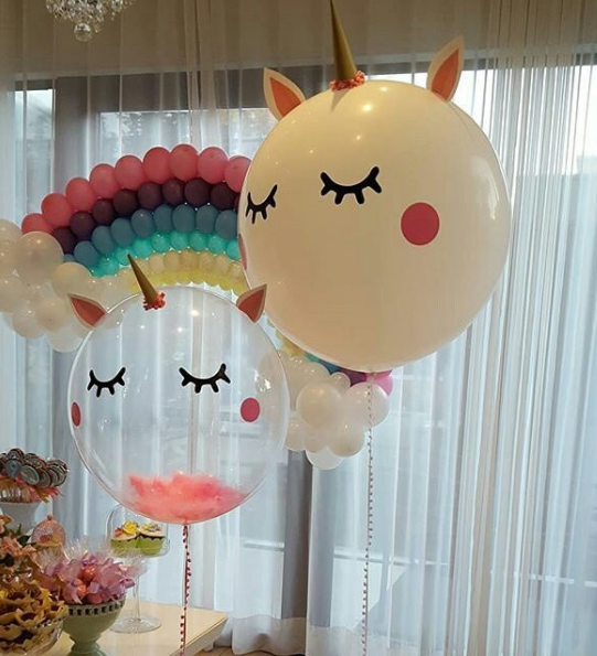 101 fiestas 15 lindos centros de mesa de unicornio for Decoracion para pared de unicornio