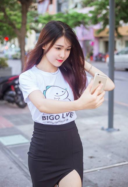 Ảnh gái xinh Việt Nam mặc váy ngắn khoe Đùi gợi cảm