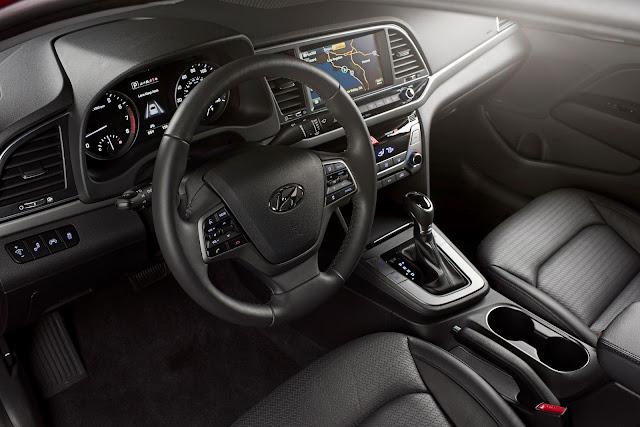 Interior view of 2017 Hyundai Elantra