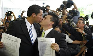 Romney Personally Issued Marriage Licenses to 189 Same-Sex Couples