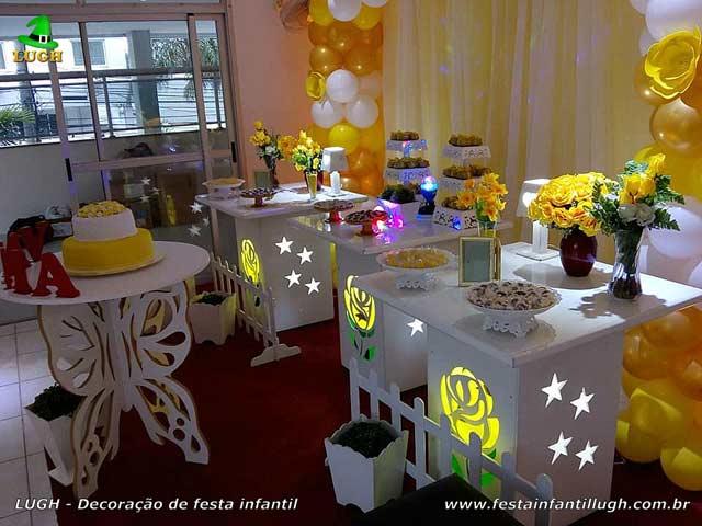 Tema Primavera com Rosas Amarelas - Mesa provençal para aniversário feminino