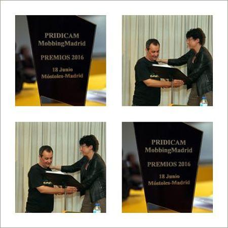 "MobbingMadrid Entrega de Premio año 2016 a Manuel Josep Gutiérrez - ""Profesor de la enseñanza  pública"""