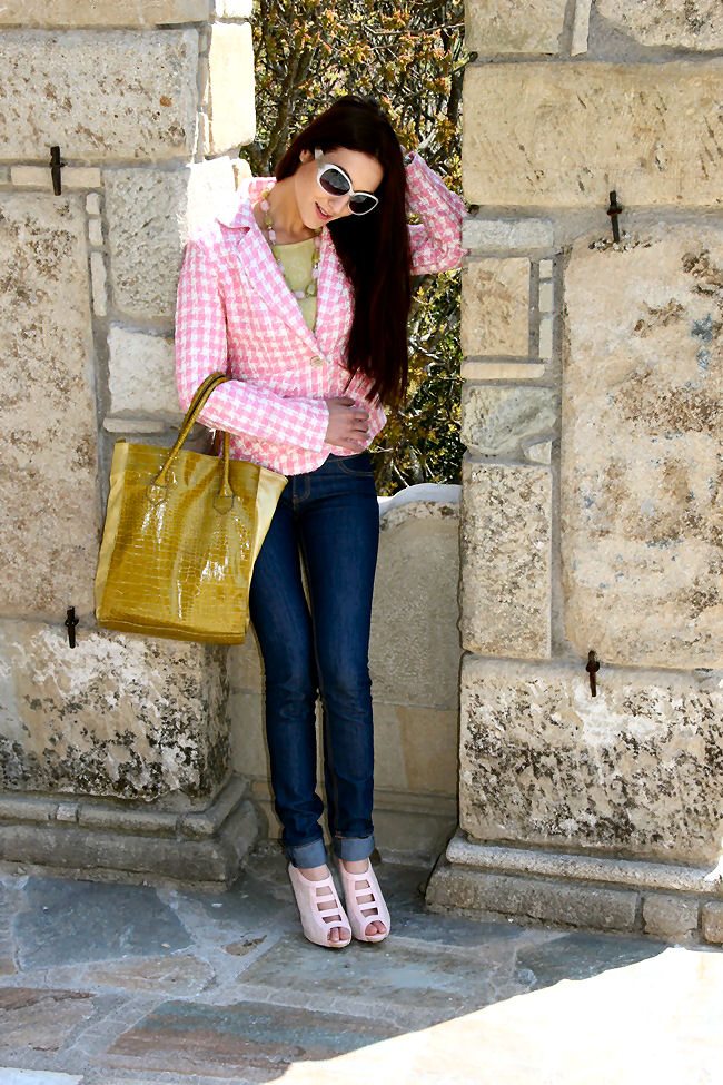 feminine girly pink houndstooth blazer looks
