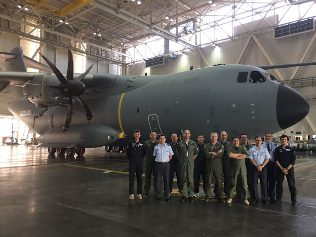 El Ejército del Aire realiza el vuelo de aceptación del primer A400M