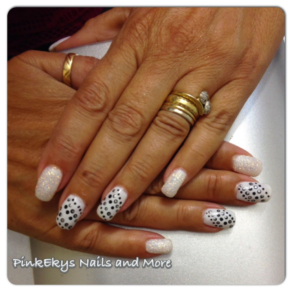 Amato Pinkekys : Unghie in gel: Total White, Glitter and Pois WM28