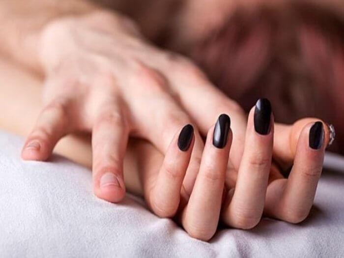 Puaskan Isteri Di Kamar