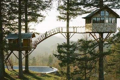 Wisata rumah pohon laing park di kota solok