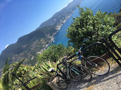 bike rental shop in monterosso