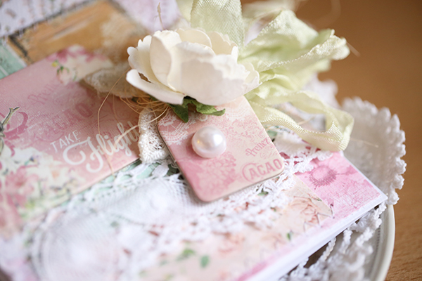 Flight card by Evgenia Petzer using Madeleine collection by Bo Bunny
