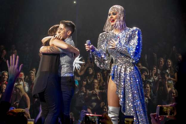Watch: Katy Perry helps fan propose to her girlfriend on National Coming Out Day