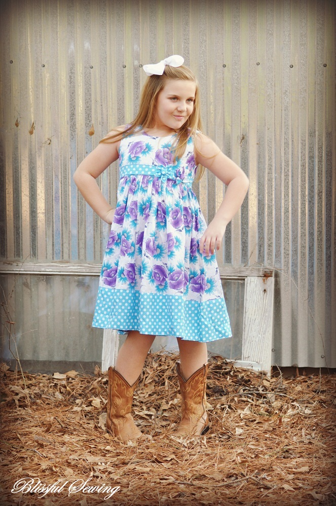 Sewing Patterns for Girls Dresses and Skirts: Christmas Frock with ...