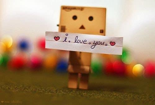 صور مكتوب عليها انا بحبك