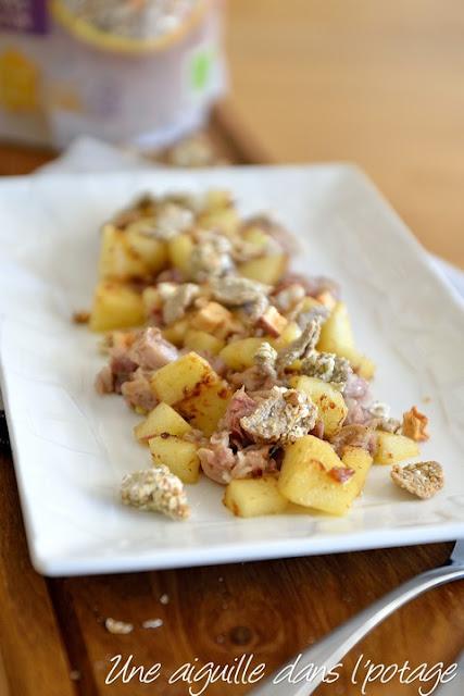 Andouille, pommes flambées au lambig et muesli au sarrasin