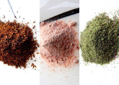 Dry powder of herbs, black salt and roasted cumin powder