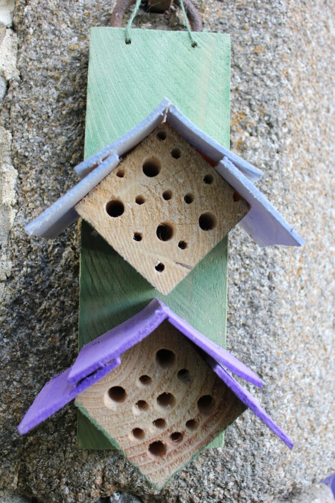 Small neat mason bee house