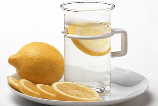 8 Khasiat air lemon yang menakjubkan