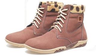Sepatu Anak Perempuan Boots Model Bertali BMA 881