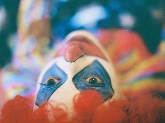 http://3.bp.blogspot.com/-BdM7o9rPwi8/VhJ8KxZ4OwI/AAAAAAAAF44/pnbv9KH1M6M/s1600/clown.jpg
