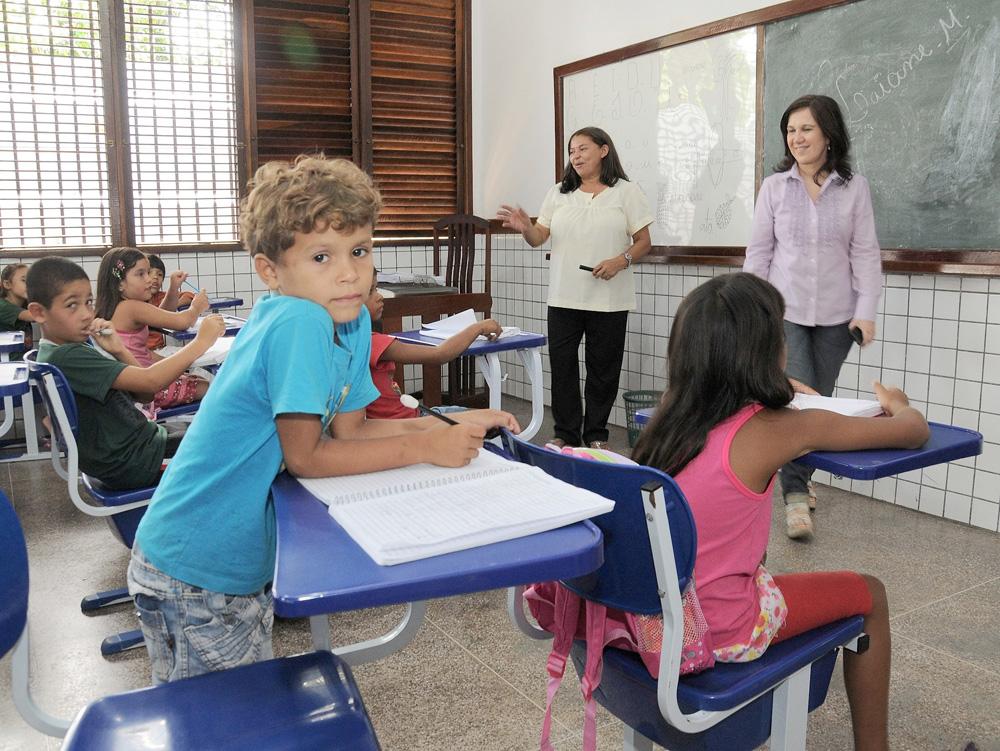 Texto Para O Primeiro Dia De Aula: Blog Do RaymundoJosé: Secretária Visita Escolas No