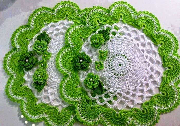 Carpeta verde y blanca